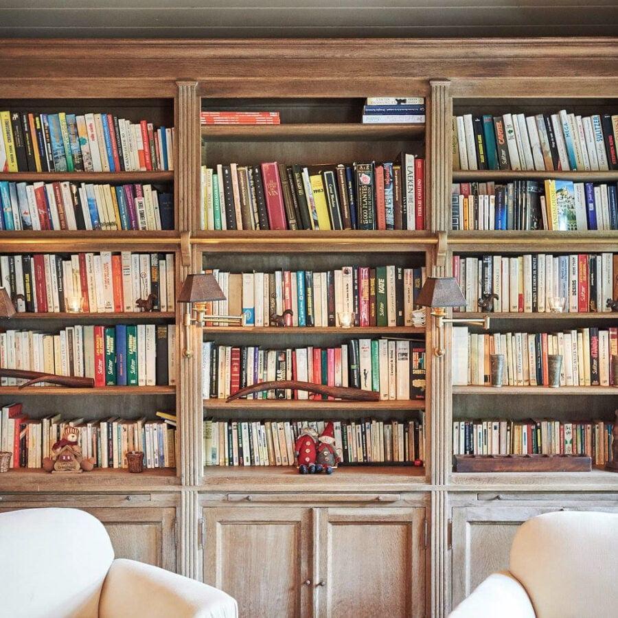 Bibliothèque de la cabane de poupette à Bruxelles