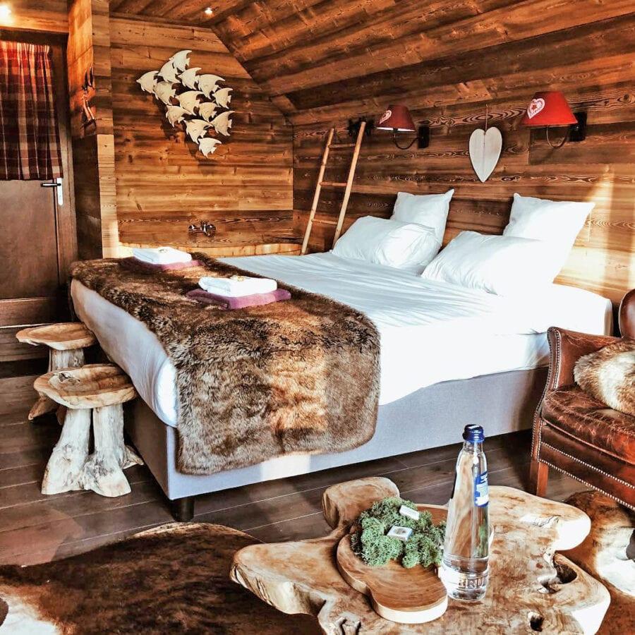 Chambre à coucher à l'Aqua Lodge près de Namur
