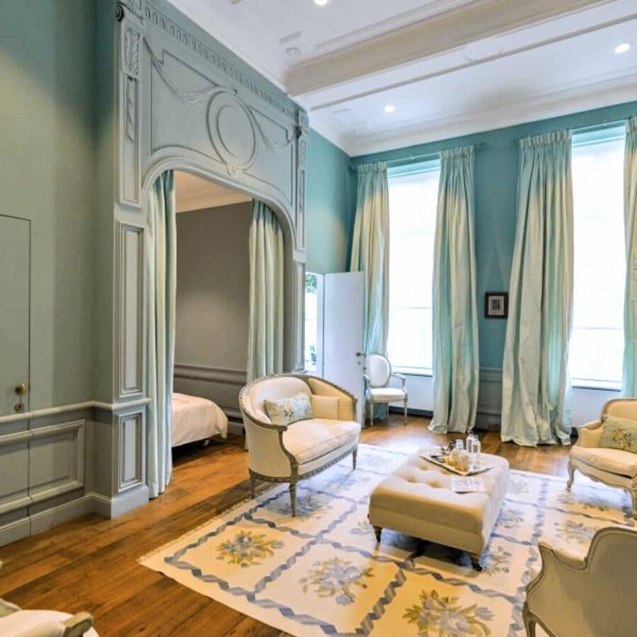 Opaline au Château Bayard à Namur