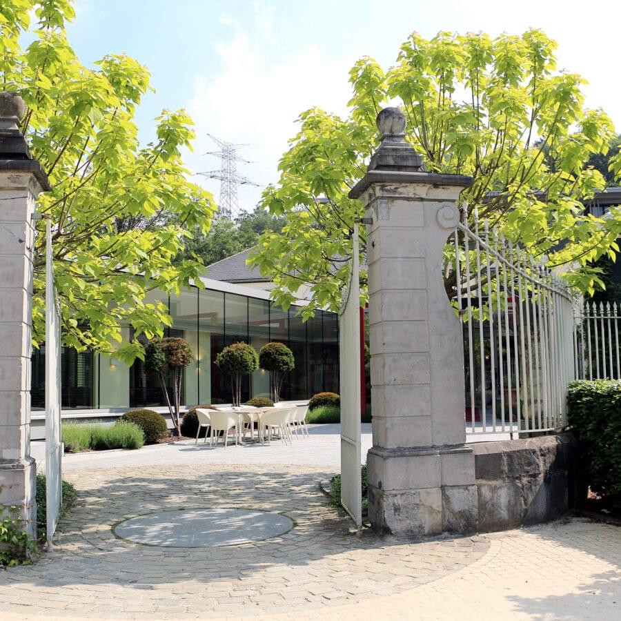 Entrée du château des thermes à Liège