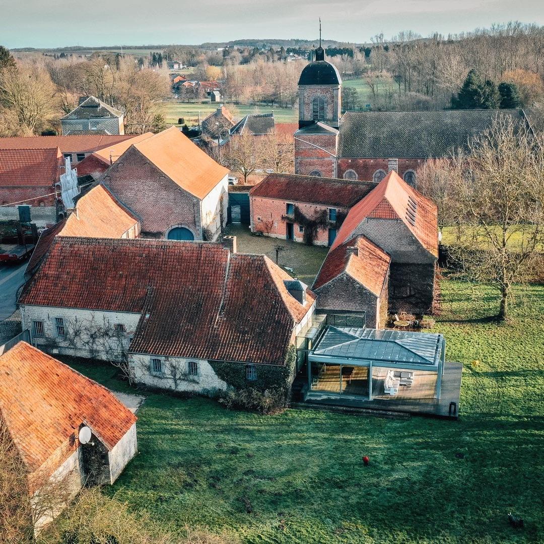 Indrani Lodge vue du ciel près de Charleroi et Bruxelles