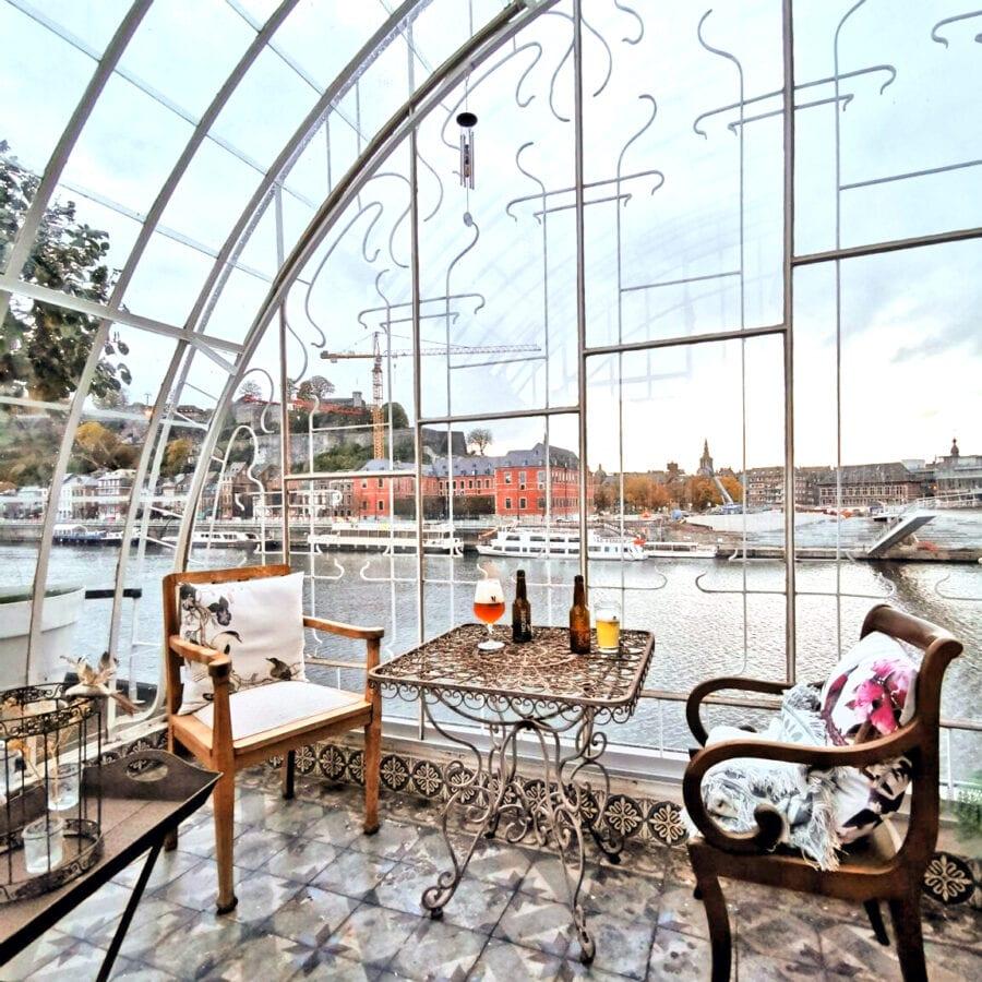 Salon de thé verrière à la Villa Balat à Namur