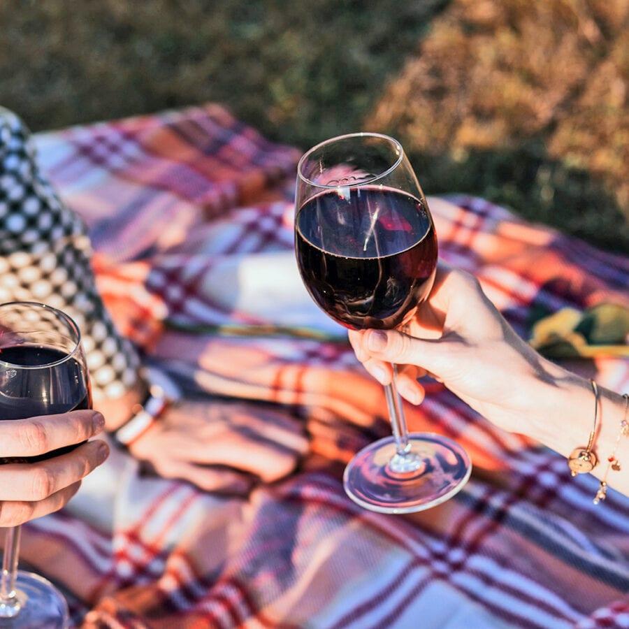 Verre de vin au Chant des Étoiles près de Spa