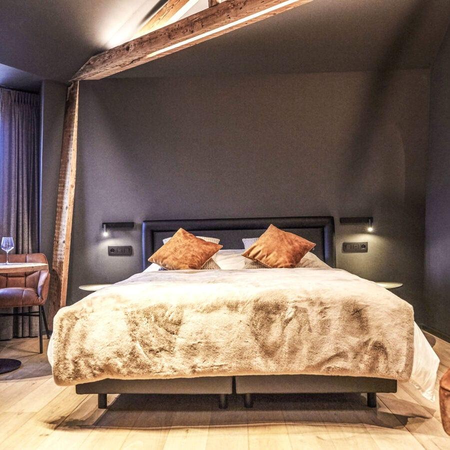 Chambre Eros de l'hôtel Oniro à Tournai