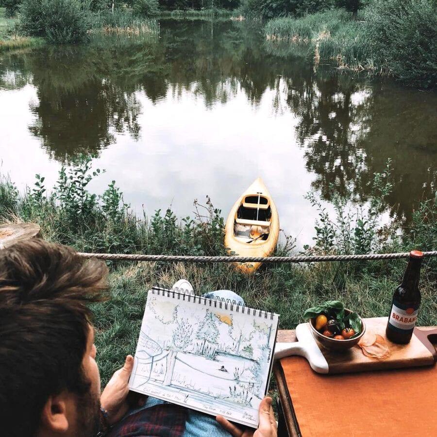 Dessin au bord de l'eau à The Forest près de Bruxelles