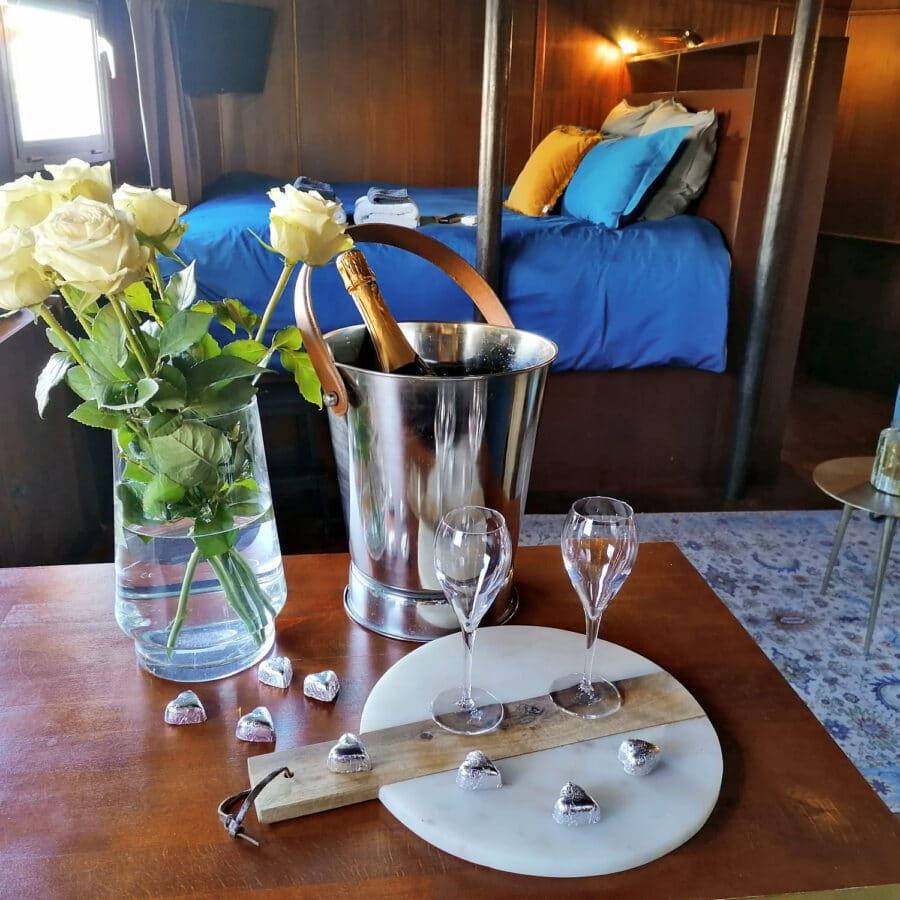 Roses et chocolats à la Cabine du Capitaine à Liège