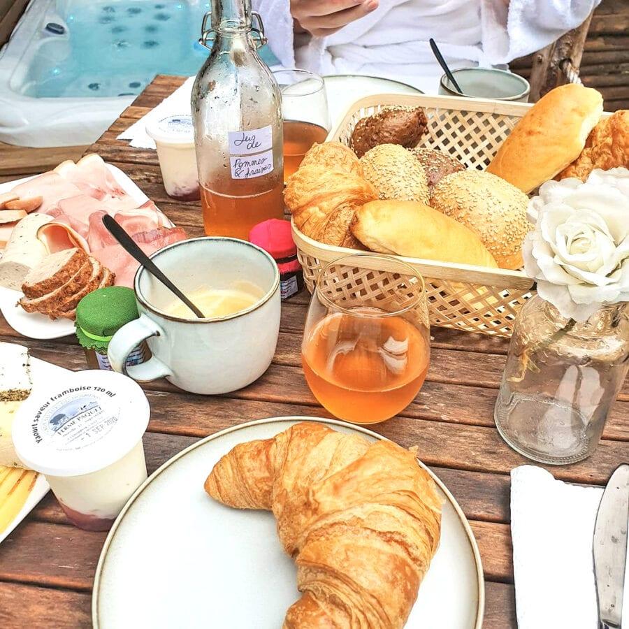 Petit déjeuner au Wooden Nest à Durbuy