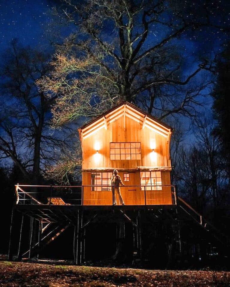 Cabane de nuit à Écorces dans les Ardennes belges